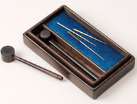 Da-shin (acupuncture needle inserted with the aid of a small hammer) set